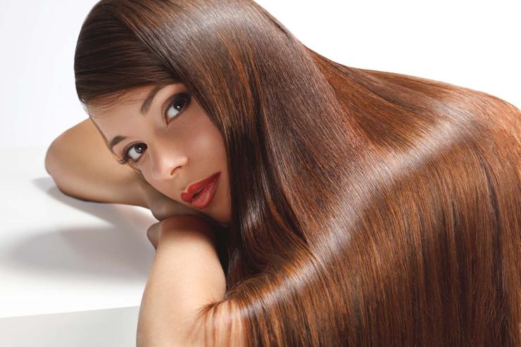 By włosy odrosły warto rozważyć zabieg polegający na ostrzykiwaniu skóry głowy preparatami wspomagającymi-fot-Fotolia
