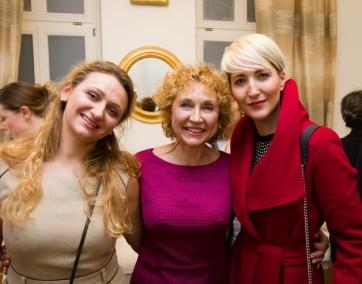 Ludmiła  Petrenko z córką Tatianą i Magdaleną Steczkowską / fot. MamiFotoStudio