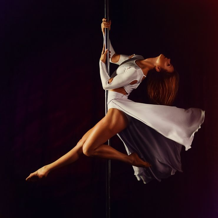 pole dance, taniec na rurze, tancerka