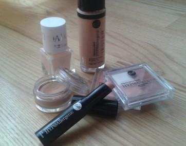 Kolorowe kosmetyki od Bell / fot. Emilia Zając