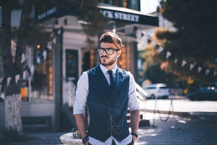 Na męskie problemy z włosami też są rozwiązania! / fot. Unsplash