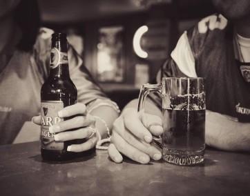 uzależnienia alkoholowe/ fot. materiały prasowe