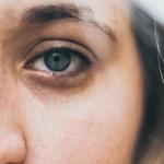Usuwanie cieni pod oczami – nowoczesna metoda na usunięcie oznak zmęczenia i starzenia skóry
