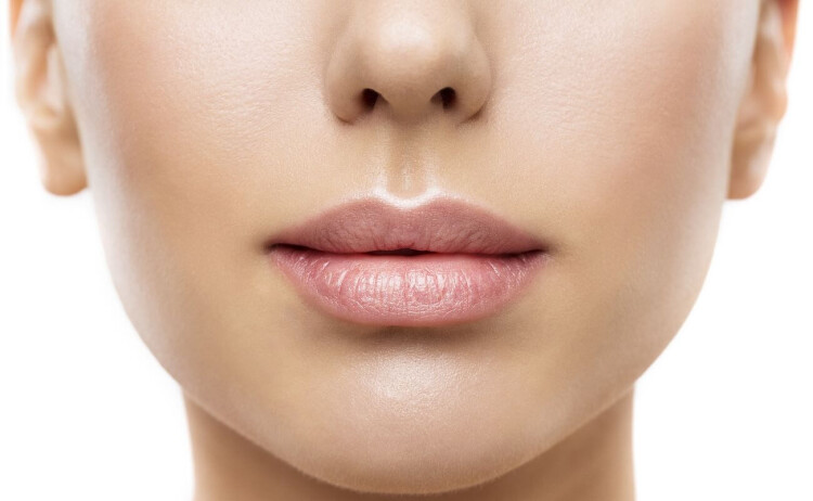 Powiększanie ust/ fot. Adobestock